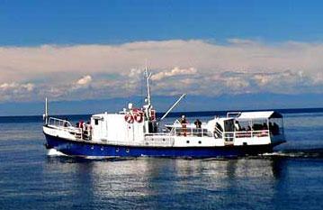 Теплоход ярославец, водные путешествия по Байкалу, рыбалка на омуля, хариуса
